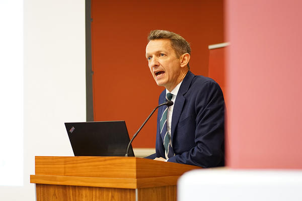 Andy Haldane speaking at Oxford Martin School