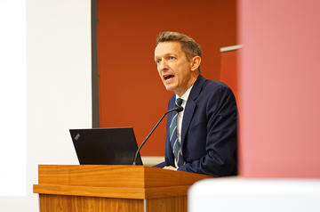 Andy Haldane speaking at Oxford Martin School